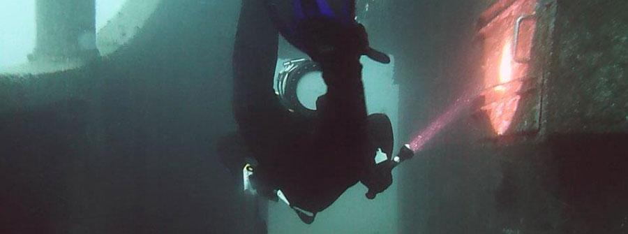 HMAS-adelaide-long