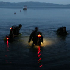 night_diver_circle